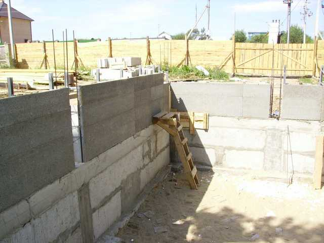 Монолитное строительство из пенобетона